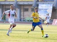Юрий Мамаев стремится к воротам