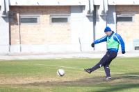 Дмитрий Кудряшов наносит удар по воротам