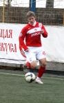 С мячом молодой спартаковец Александр Кожевников