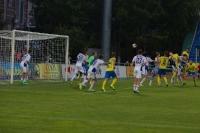 Дмитрий Гузь посылает второй мяч в ворота Волги