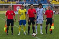 Фото на память капитаны команд вместе с судьями