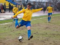 Юрий Мамаев навешивает в штрафную