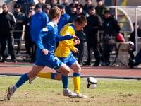 Юрий Роденков безуспешно атакует
