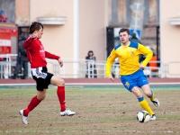 С мячом Юрий Мамаев